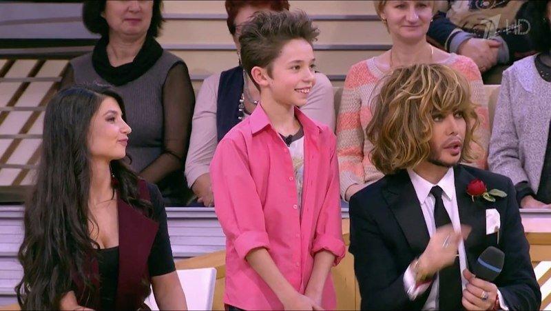 Девятилетний парикмахер изКирова стал героем «Пусть говорят»