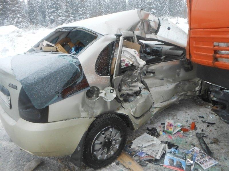 ВОмутнинске «Калина» врезалась вКАМАЗ: шофёр «ВАЗа» в клинике
