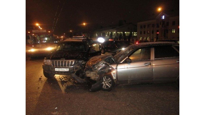 ВКирове нетрезвый шофёр устроил массовое ДТП