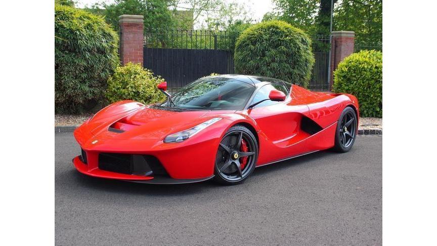 Феррари LaFerrari стал самым дорогим автомобилем 21 века
