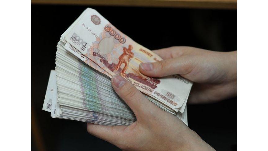 Мошенник изколонии похитил 500 тыс. руб. у граждан Кирова