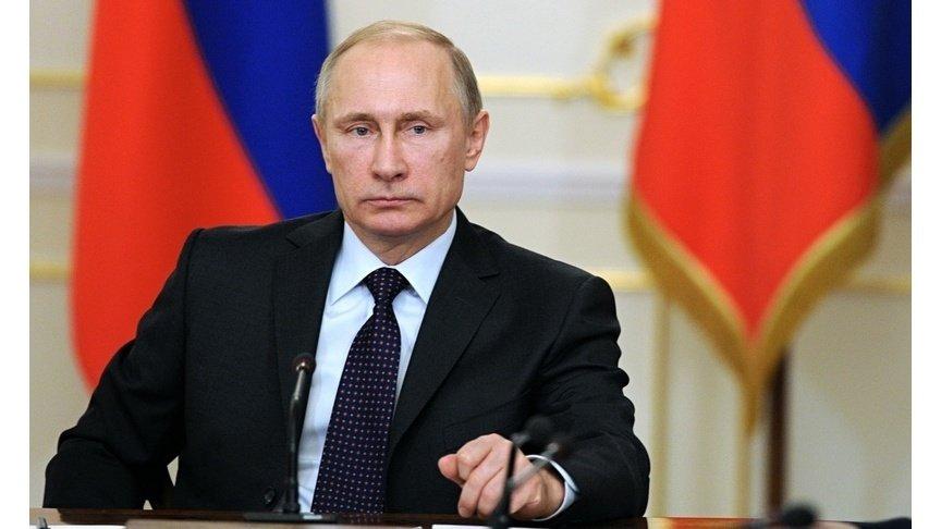 Путин внес вДуму законодательный проект обобязанности врио губернатора отчитываться одоходах