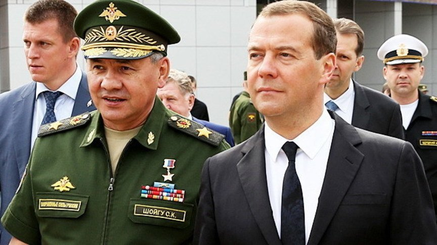 Д. Медведев приехал вКиров на«Мерседесе»