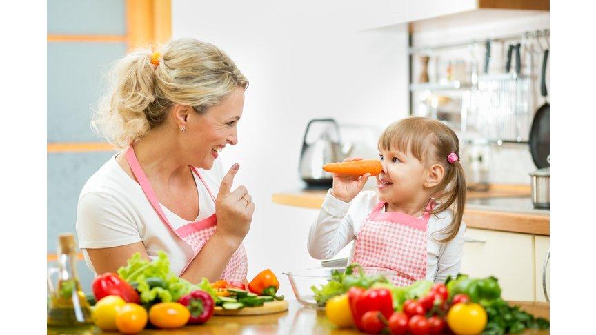 Учёные: Детям нужно играть с едой