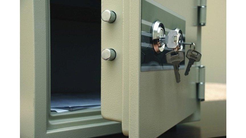 ВКирове изофиса наПрофсоюзной похитили сейф сденьгами