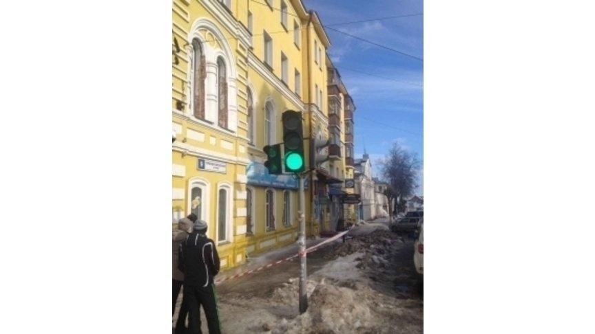 Отупавшего скрыши снега погибла жительница Кирова