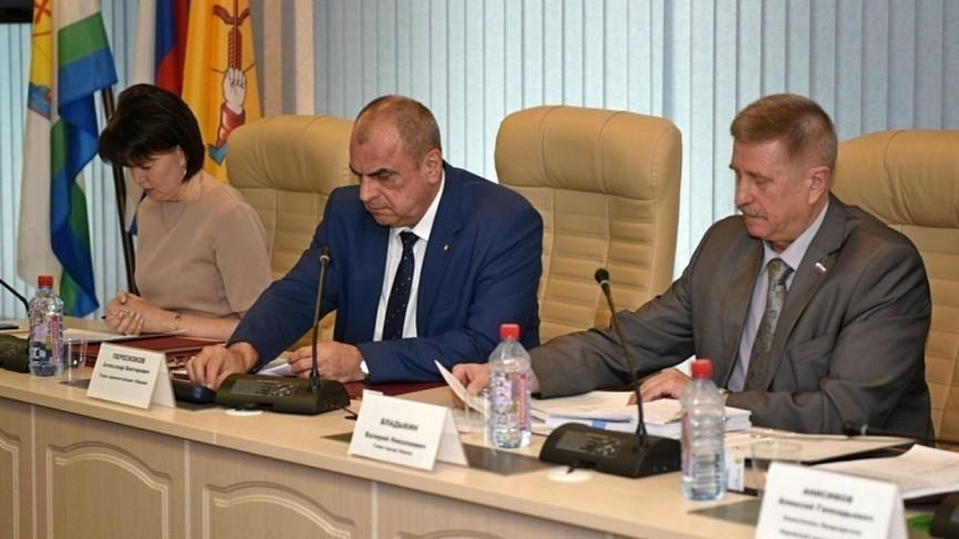 Конференция «Единой России» официально выдвинула Елену Ковалеву напост руководителя города Кирова