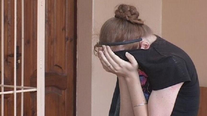 Парня в суде девушки наказывают
