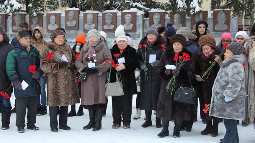 Председатель Думы Тольятти Дмитрий Микель поздравил городских жителей сДнем героев Отечества