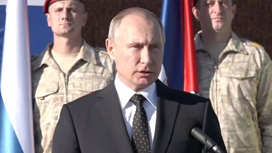 Сенатор прокомментировал решение В. Путина полететь вСирию