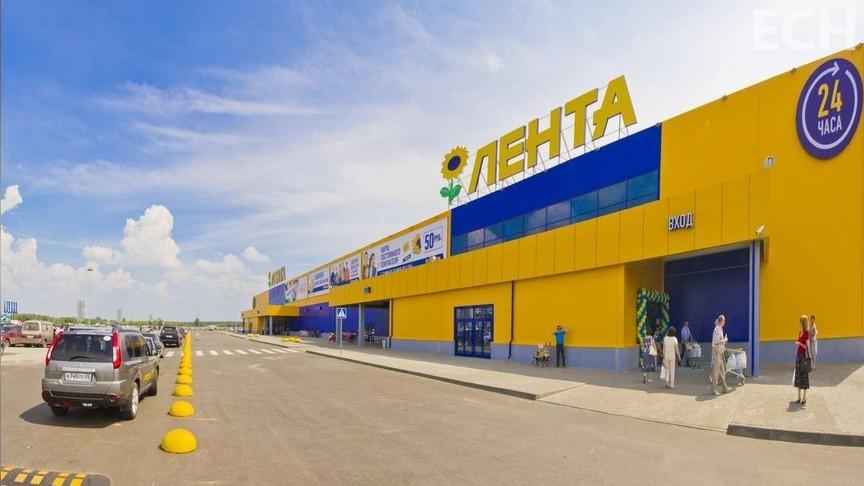 Вновгородских магазинах «Лента» заклеили камеры хранения