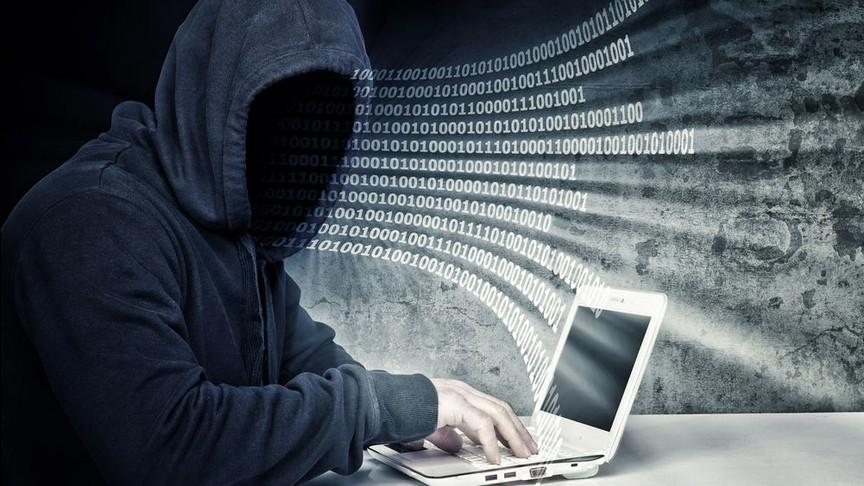 Хакер 13 лет следил закомпьютерами тыс. пользователей повсей планете