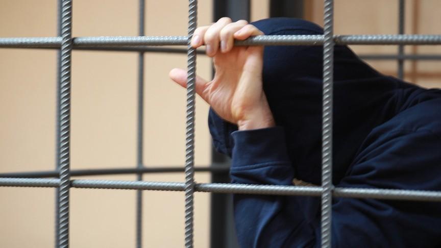 Котельничанин получил крупный срок за ожесточенное убийство 17-летней приятельницы