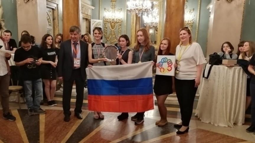 Сборная РФ одолела наVII Европейской математической олимпиаде для девушек