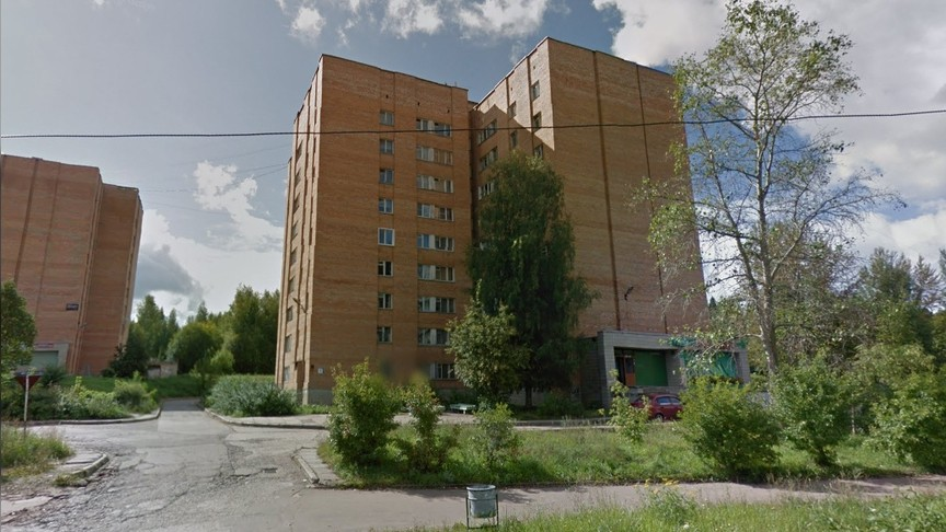 ВКирово-Чепецке мужчина сбросил собаку сшестого этажа