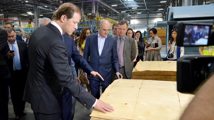 Мантуров: Запуск нового производства фанеры в Кирове усилит позиции Segezha на рынке