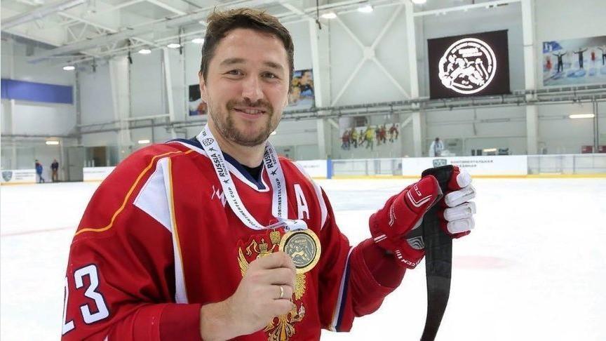 «В Канаде будет битва!» Следж-хоккеист из Кирово-Чепецка рассказал о победе на чемпионате мира и предстоящем турнире